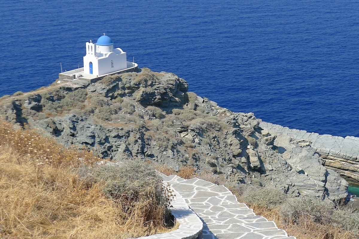 The 10 Best Sifnos Restaurants to Try